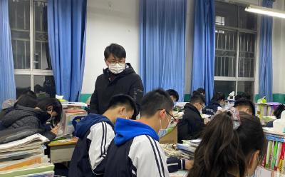 封閉在校的學生怎麼樣?學習情況如何?